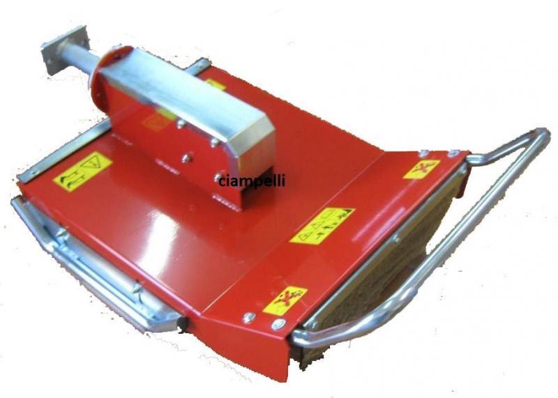 D broussailleur broyeur vertical a couteaux 72 cm for Trincia x motocoltivatore